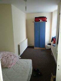 3 bedroom flat in Torquay town centre