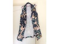 New Look Sleeveless waterfall jacket (tropical print)