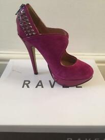 Ravel berry shoes - size 4