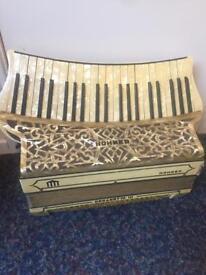 Vintage 1930's Hohner Organetta 111 Accordian