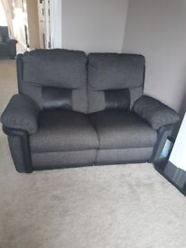 2 and 3 seater electric recliner in very good condition