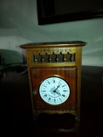 Vintage Clock Good working Condition