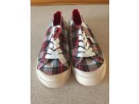 Rocket Dog Jazzin Sneakers size 6