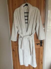 George robe/fleece gown