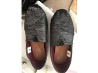 Womens size 6 toms