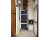 Safety Ladder Size 158 x55 x83cm safety rail Large non slip treads Used 3 times