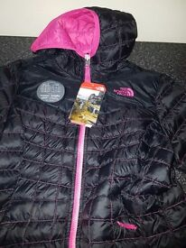 Brand new Girls thermoball north face jacket size L age 14-16 (small fit)