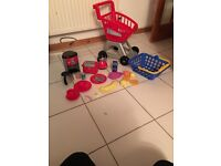 Children's shopping trolley, basket and accessories