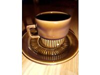 6 retro cups and saucers