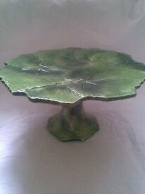 NOT TO BE MISSED. VERY ELEGANT ITALIAN GRAPE LEAF DESIGN CAKE STAND