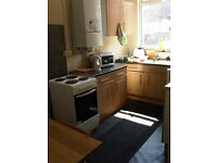 Double room in lovely 4 bedroom house. Very close to Wilmslow Road shops, bus route only 2 mins.