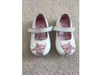 Infant girls butterfly shoes size 4