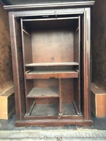 Nice shelves cabinet perfect and old in great condition