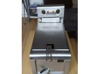 commercial electric deep fryer for sale in excelent condition very clean £50.00 o.v.n.o