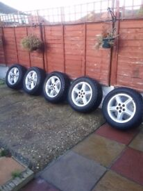 Discovery 2,18 inch Alloys and Tyres +3 tyres.