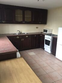 Amazing spacious 4 Bed Town House to rent + DSS*