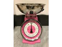 Pink Retro Kitchen Scales