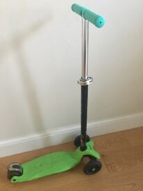 Very good condition maxi Micro scooter for sale