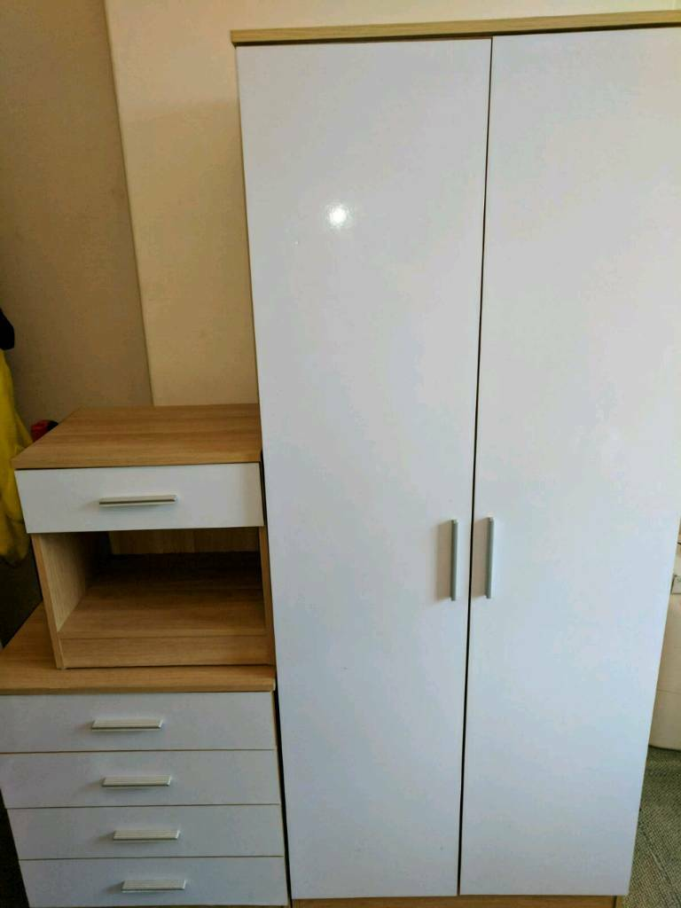 Wardrobe draws and bedside unit