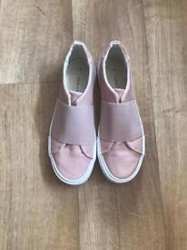 Women's slip on trainers size 6 £5