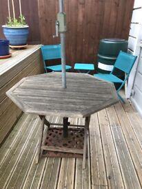 Garden table/Umbrella