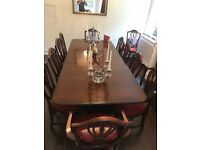 Lovely mahogany dining table and 8 chairs