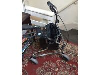 Light weight tri wheel trolley with breaks