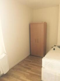 2 bedroom flat for rent off Mare Street