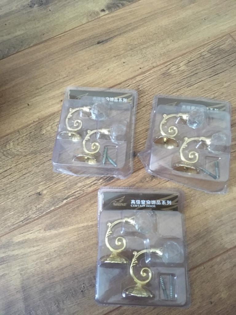 Brand New crystal curtain tie back hooksin St George, BristolGumtree - Hi I am selling 3 pairs of crystal tie back hooks as I never used or needed them in my home all are brand New unopened
