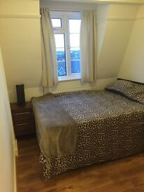 LARGE SINGLE ROOM IN TOOTING BEC ,AVAILABLE NOW ,ALL INCLUDED