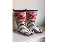 Womans Gum Boots
