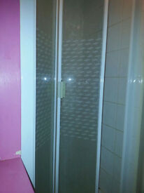 Double room suite to rent Galpins Road. Very clean room with free WiFi