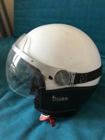 Vespa helmet moped