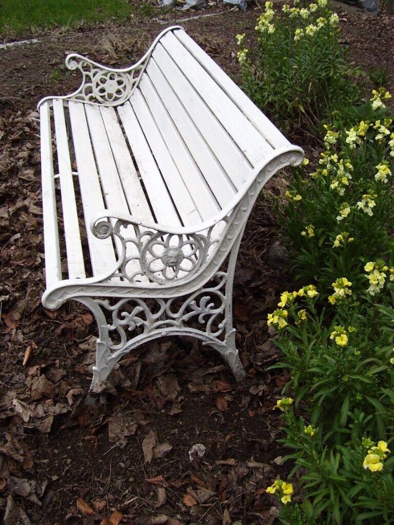 Tremendous Old Painted Wooden Garden Bench With Ornate Metal Ends In Dundee Gumtree Inzonedesignstudio Interior Chair Design Inzonedesignstudiocom