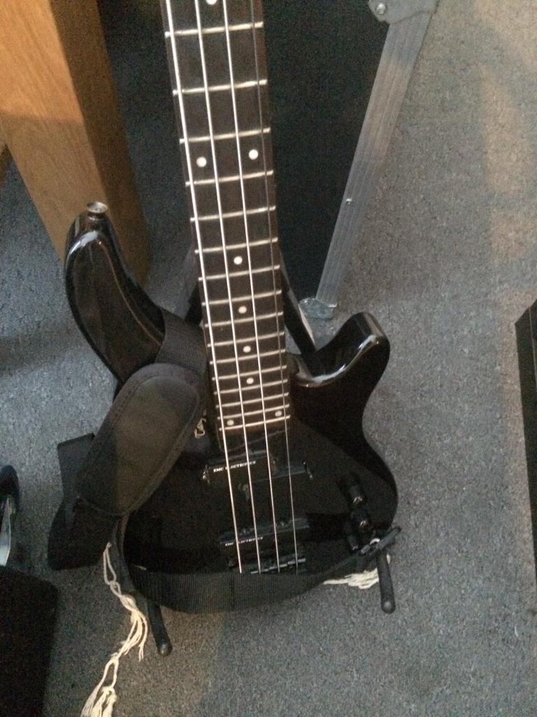 Tanglewood bass Guitar