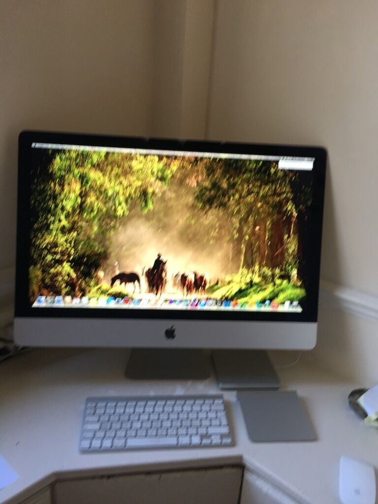iMac 27 inch late 2013hardly usedin Egham, SurreyGumtree - I have a 27 inch iMac late 2013 which I have barely used and it just sits there gathering dust. However, it is slightly damaged on the edge of the screen along at the top something fell on it! but the camera is fine and it hasnt been damaged anywhere...