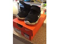 Size 3.5 Nike trainers