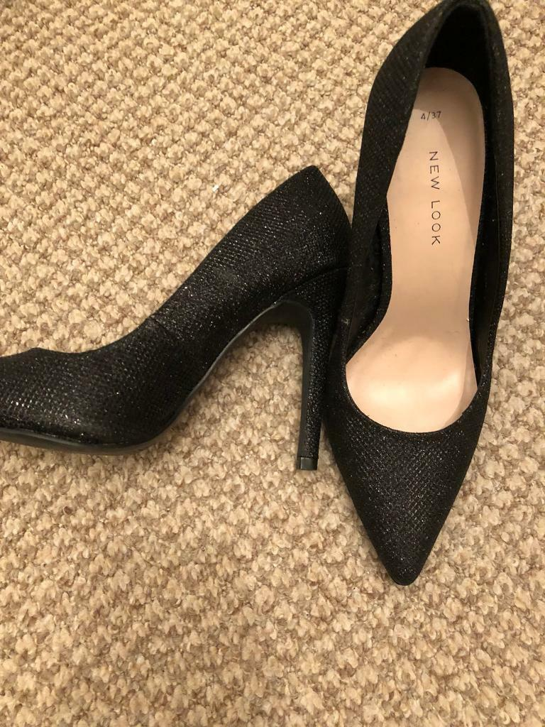 Size 4 high heels (Like New)
