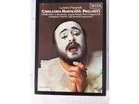 Pavarotti singing Pagliacci