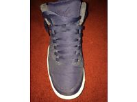 NIKE AIR FLIGHT CLASSIC - NAVY - Size 8 trainers