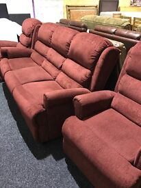 Like new comfortable 3/1/1 fabric suite