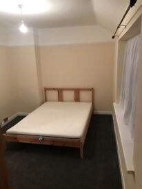 New refurbished house with 3 rooms available in Becontree