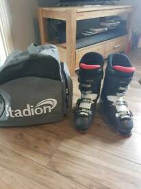 Ski boots size 10