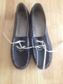 NAVY, LACE-UP, FLAT, COMFY, SHOES, SIZE 6, BRAND NEW