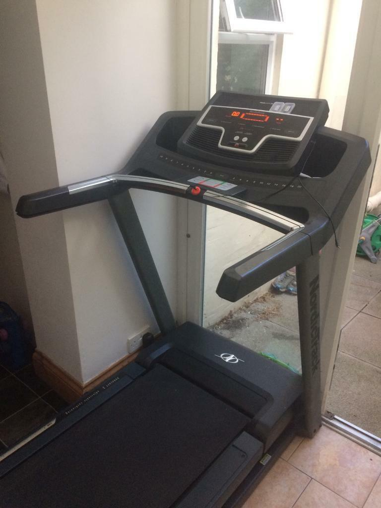 Nordictrack T9 Si Treadmillin Poole, DorsetGumtree - Nordictrack treadmill for sale. Has been used but is still in great condition. Taking up valuable space in the house. Technical specs are as follows 20km/h max speed10% max inclineClear LED display with easy to adjust speed, incline etc controls20...