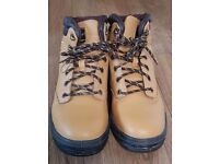 Safety Shoes. A pair of safety shoes for sale .Size 8 UK in excellent condition. For quick sale....