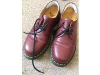 Doctor marten shoes size 6