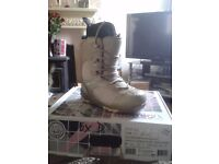 Atomic snowboading boots brand new in box uk size 5.5