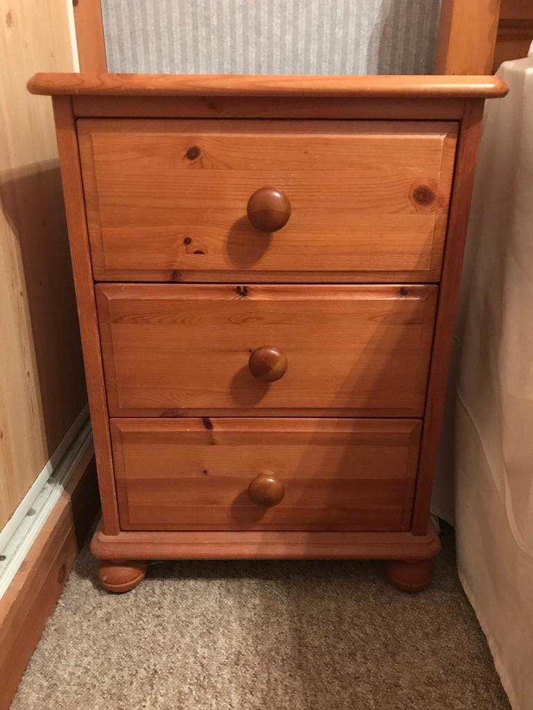 Bed side cabinet x2