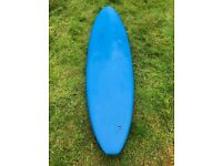 Minimal Beginner Surfboard 7ft 5inch